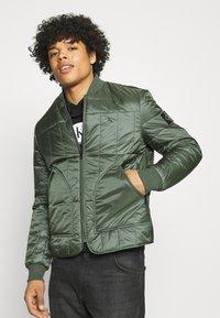 Calvin Klein Jeans - QUILTED LINER JACKET - Bomber Jacket - duck green - 3