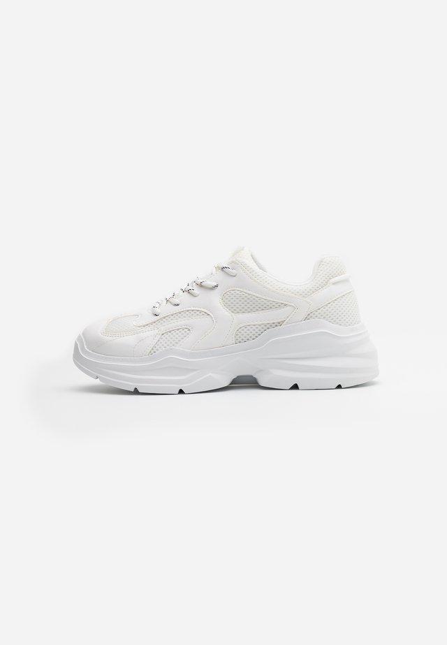 VEGAN EMINA - Sneakers basse - white light
