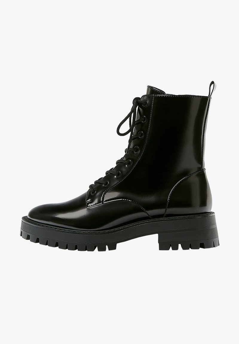PULL&BEAR - LACKOPTIK - Platform ankle boots - black