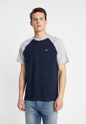 CONTRAST SLEEVE TEE - T-shirt z nadrukiem - grey