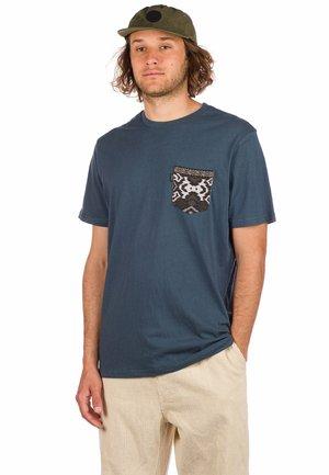 POCKET ICA - Print T-shirt - washed navy