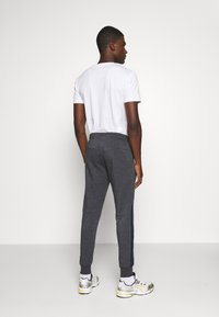 Jack & Jones - JJIWILL JJPOUL  - Jogginghose - dark navy melange - 2