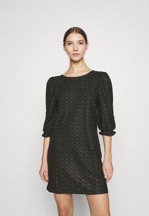 WILMA DRESS - Pouzdrové šaty - glitter gold