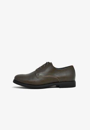 Zapatos de vestir - caqui