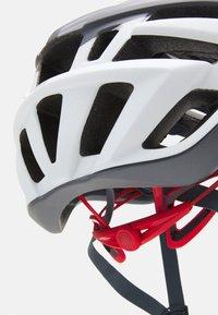 Giro - AGILIS UNISEX - Helm - matte portaro grey/white/red - 4