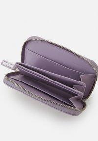 PB 0110 - Peněženka - light violet - 2