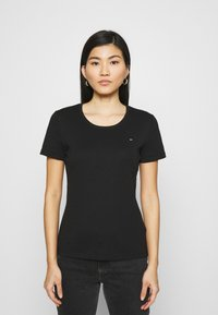 Tommy Hilfiger - SLIM ROUND NECK - Basic T-shirt - black - 0