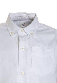 GAP - BAS OXFORD - Overhemd - white - 2