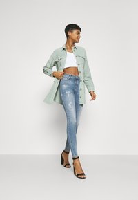 ONLY - ONLSHAPE LIFE - Jeans Skinny Fit - medium blue denim - 1