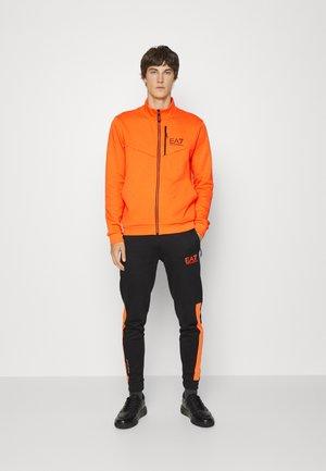 Tracksuit - orange/black
