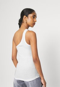 Weekday - VIDA ONE SHOULDER - Débardeur - white - 3