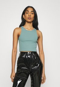 Weekday - STELLA CROP 2 PACK - Top - off white/dusty green - 3