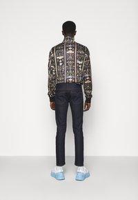 Versace Jeans Couture - DRILL - Skinny-Farkut - light-blue denim - 2