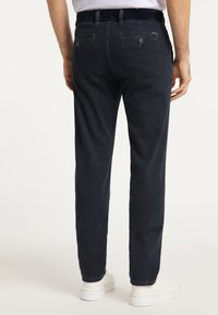Pioneer Authentic Jeans - ROBERT - Straight leg jeans - rinse - 2