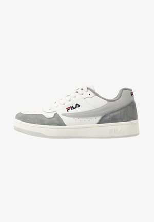 ARCADE - Trainers - white/monument