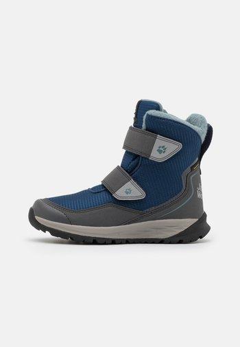 POLAR BEAR TEXAPORE HIGH UNISEX - Zimní obuv - blue/black