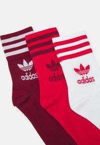 adidas Originals - 3 PACK UNISEX - Sokken - scarlet/collegiate burgundy - 1