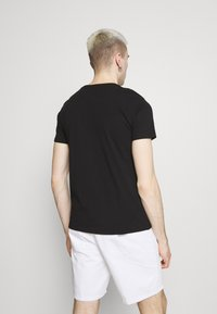 Alpha Industries - ALPHA LABEL 2 PACK - T-shirt con stampa - black - 2