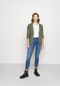 New Look - MIDRISE SUPERSOFT  - Jeans Skinny Fit - mid blue - 1