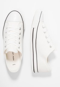 New Look - MARKED TOE CAP TOP UP - Trainers - white - 3