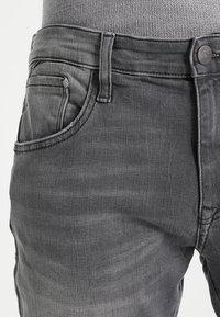 Mavi - JAMES - Slim fit jeans - grey ultra move - 3