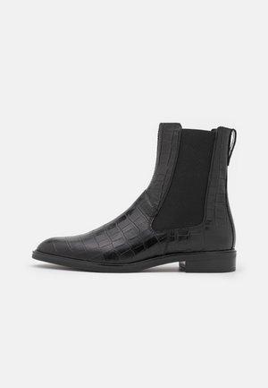 FRANCES - Korte laarzen - black