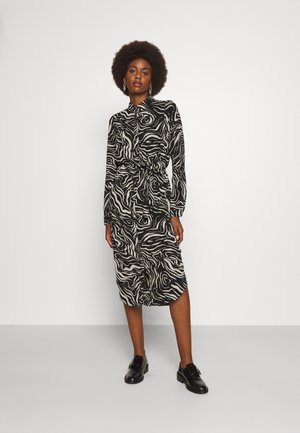 VMSASHA DRESS - Shirt dress - birch