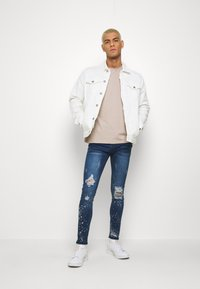 Good For Nothing - RIPPED WITH PAINT SPLATTER - Skinny džíny - blue - 1