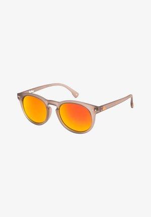 JOSHUA - Sonnenbrille - matte crystal sand / ml orange