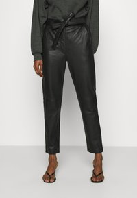 Second Female - INDIE TROUSERS - Leather trousers - caviar - 0