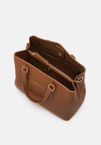 Valentino Bags - SUPERMAN - Handbag - cognac - 2