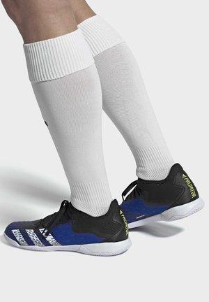 PREDATOR FREAK .3 INDOOR SHOES - Indoor football boots - black