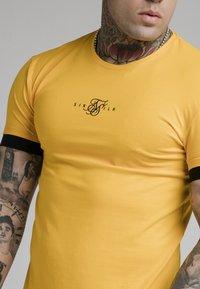 SIKSILK - INSET CUFF GYM TEE - Basic T-shirt - yellow - 4