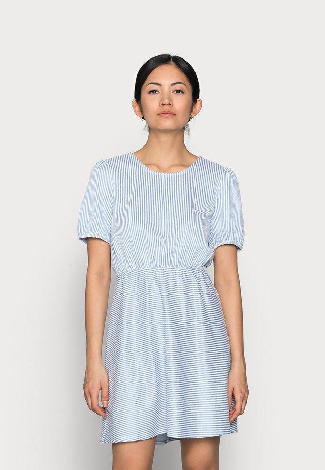VIMILAC O-NECK DRESS - Kjole - cashmere blue/cloud dancer