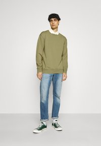Selected Homme - SLHRELAXLUIS - Mikina - aloe - 1