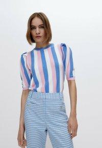 Uterqüe - Print T-shirt - pink - 0