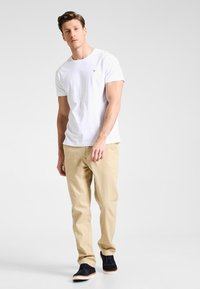 GANT - THE ORIGINAL - T-shirt - bas - white - 1