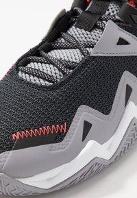 Jordan - WESTBROOK ONE TAKE - Basketball shoes - black/white/cement grey/bright crimson - 2