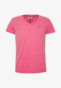 VNECK TEE - Basic T-shirt - bright cerise pink