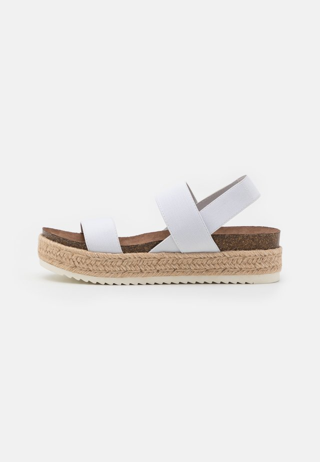 CYBELL - Espadrillos - white