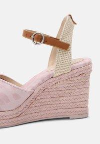 Pepe Jeans - MAIDA ANY - Platform sandals - pink - 5