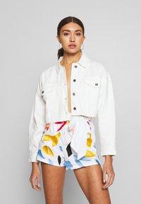 Missguided - CROPPED RAW JACKET  - Denim jacket - white - 0