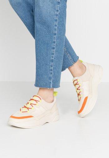 LEXY - Sneakersy niskie - offwhite