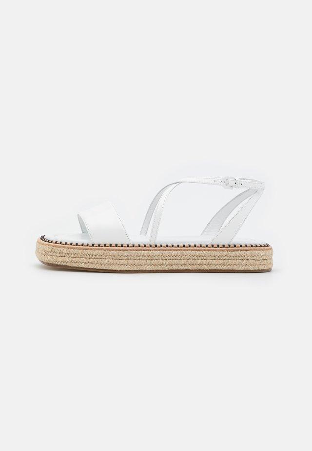 VALLO - Sandalen met plateauzool - bianco