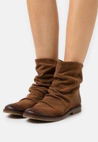 Felmini - CLASH - Cowboy/biker ankle boot - marvin brown - 0