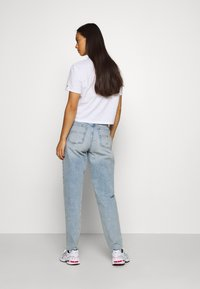 Tommy Jeans - MOM - Relaxed fit jeans - cony light blue comfort destructed - 2