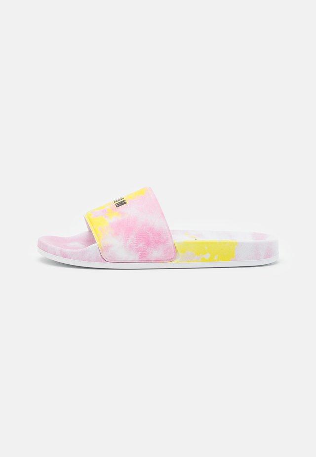 Sandalias planas - light pink/yellow