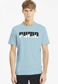Puma - REBEL BOLD  - T-shirt imprimé - aquamarine - 0