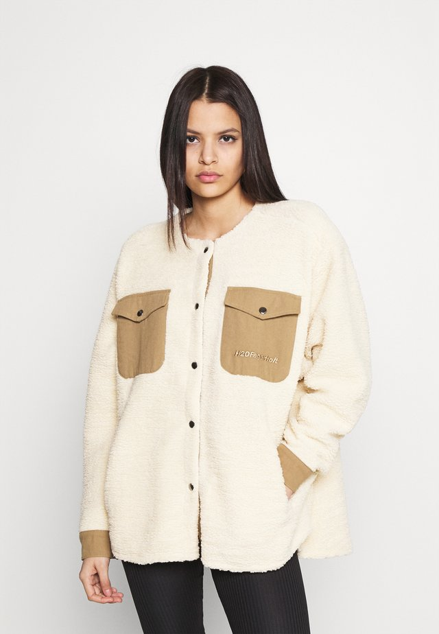 CHECKET PILE JACKET - Zimní kabát - beige