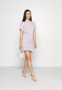 Missguided - BUTTON DOWN SHIRRED SHIRT DRESS - Shirt dress - lilac - 1